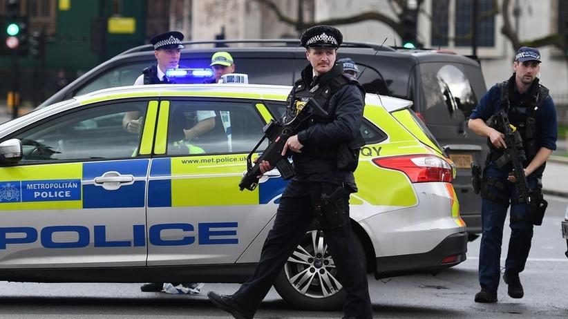 Londyn: Strzały w pobliżu meczetu