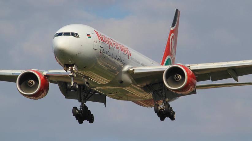 Londyn: Mężczyzna wypadł z samolotu. Leciał na gapę z Nairobi