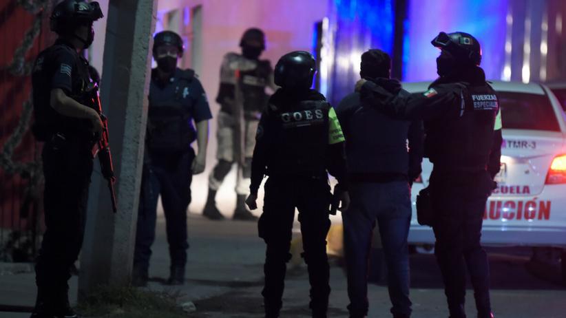 Na moście w Zacatecas znaleziono ciała sześciu powieszonych mężczyzn
