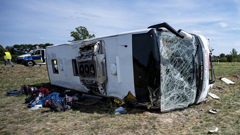 Wypadku autobusu niedaleko Berlina. 9 osób walczy o życie