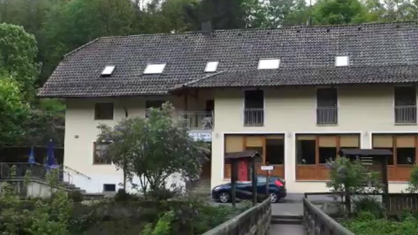 Niemcy: Zwłoki trzech osób w hotelu. Strzały w ciałach zmarłych