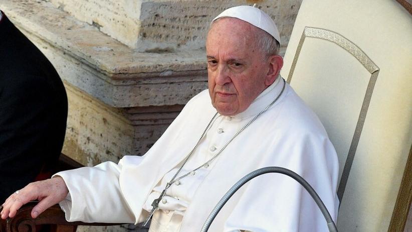 Papież Franciszek przejdzie zabieg w szpitalu