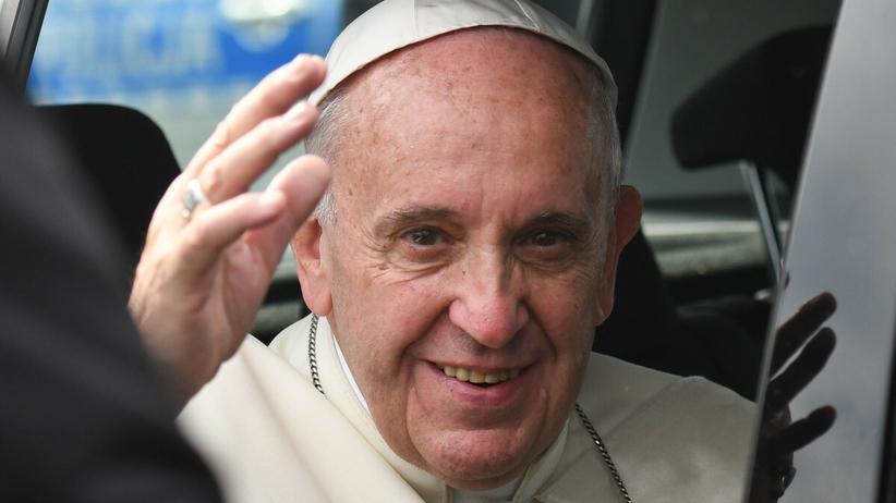 Papież Franciszek, zaszczepi się przeciw Covid-19