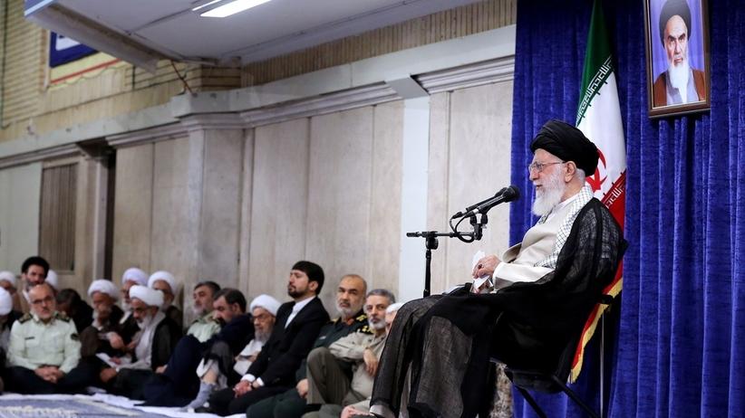 Ajatollah Chamenei: nie będzie wojny z USA