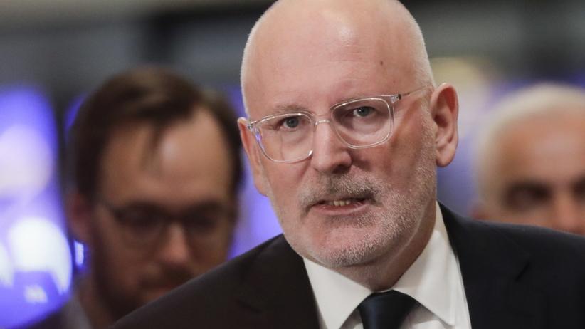 Timmermans ostrzega: wcześniej czy później wrócą granice