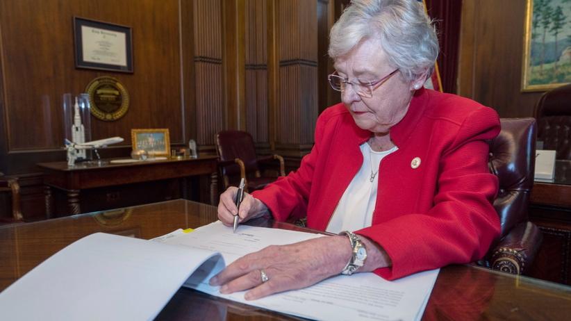 Alabama drastycznie zaostrza prawo aborcyjne