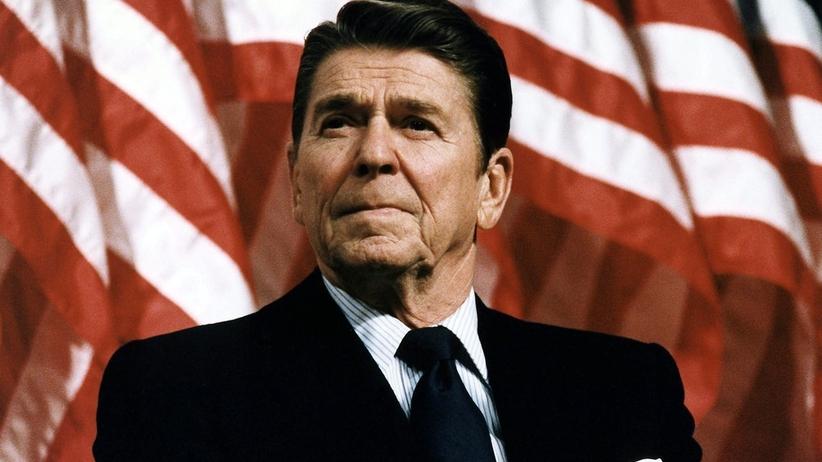 """Ujawniono nieznaną rozmowę Reagana. Delegatów z Afryki nazwał """"małpami"""""""