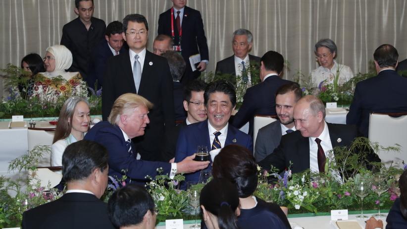 Dziwne zachowanie Putina podczas obiadu w Osace. Wszystko się nagrało