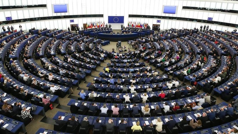 Polacy ze stanowiskami w Europarlamencie. Porażka Szydło