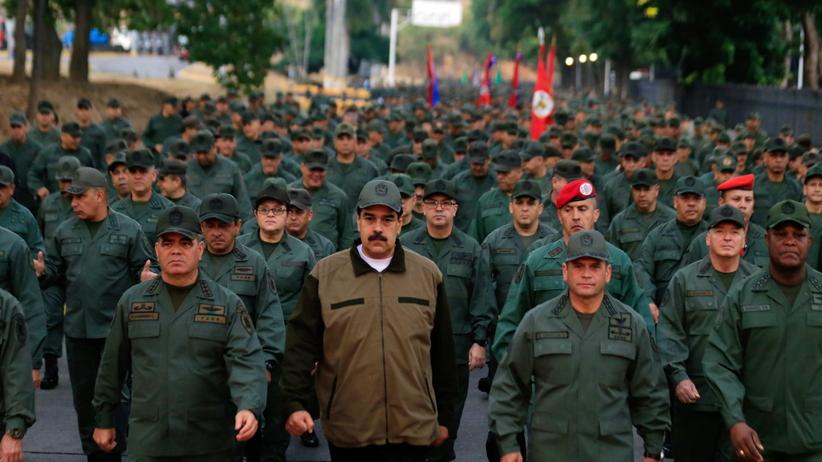 """Triumfalny marsz Maduro. """"Musimy udaremnić próby zamachu stanu"""""""