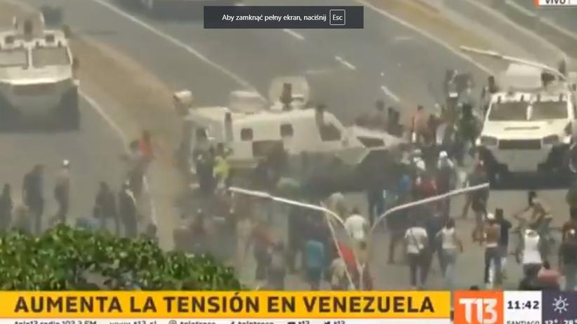 Wojskowy pojazd wjechał w protestujących w Caracas