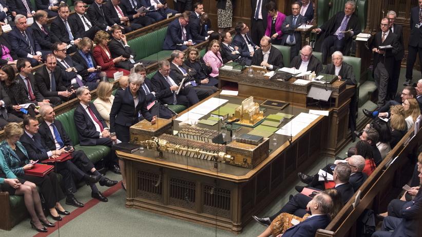 313 do 312. Izba Gmin przegłosowała ustawę zmuszającą premier May do ubiegania się o opóźnienie brexitu