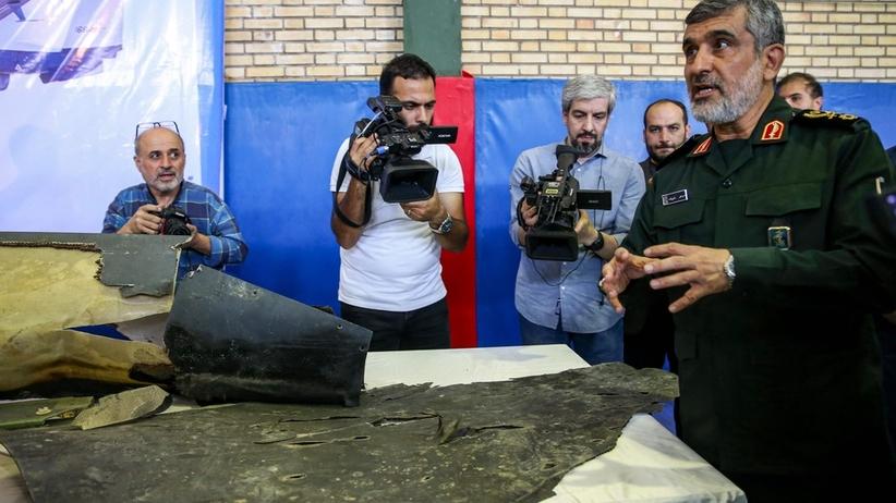 Irańczycy pokazują zestrzelonego drona USA