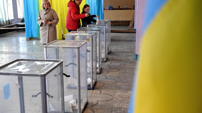 Ukraina wybiera prezydenta. O najwyższy urząd w państwie walczy 39 kandydatów