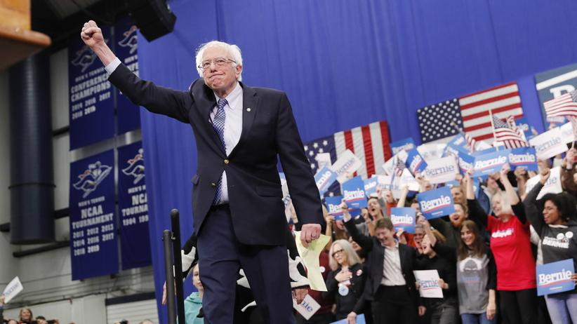 """Wybory prezydenckie w USA. CNN"""" Bernie Sanders wygrał prawybory w New Hampshire"""