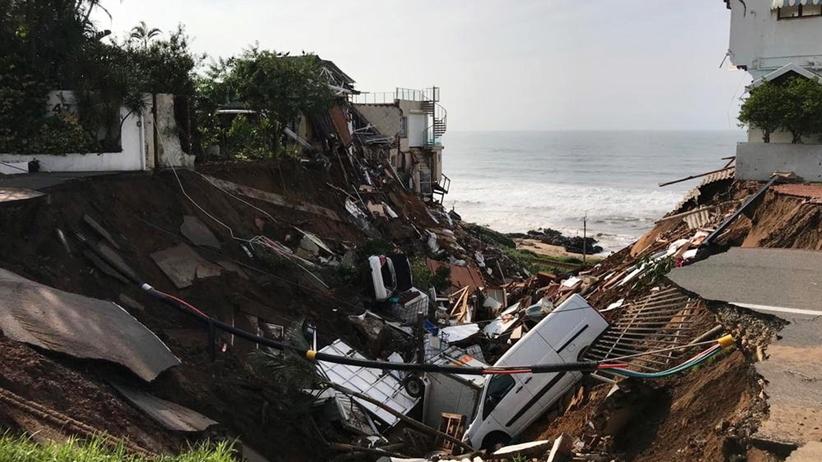 Ponad 70 ofiar powodzi w RPA. Służby ratownicze wciąż odnajdują ciała