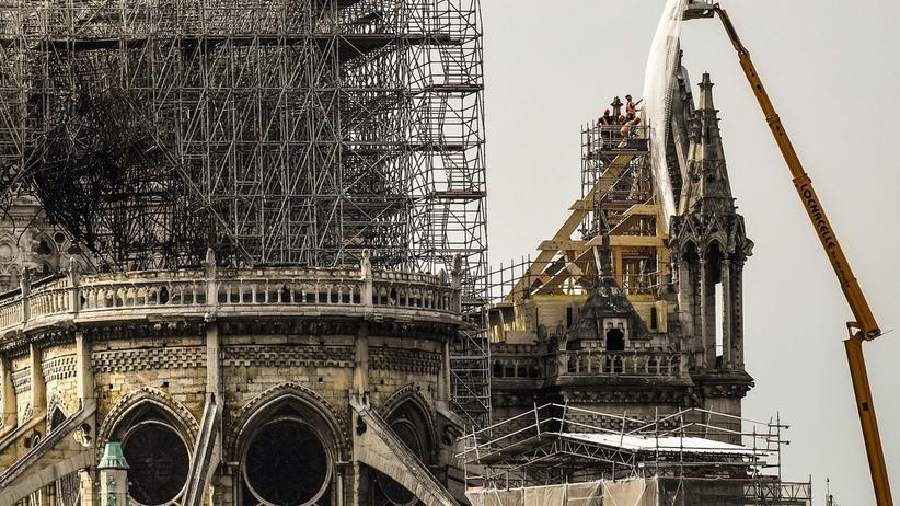 Pożaru Notre Dame można było uniknąć? Utajniony raport ostrzegał przed niebezpieczeństwem