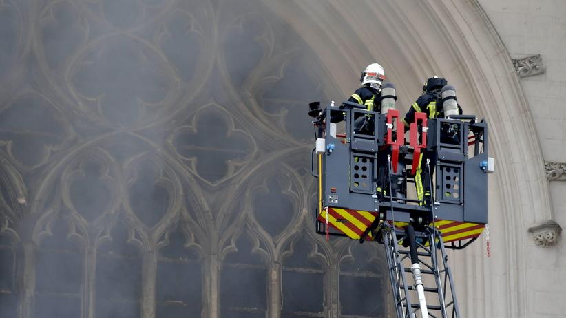 Pożar katedry w Nantes. Prokuratura wszczyna śledztwo ws. podpalenia