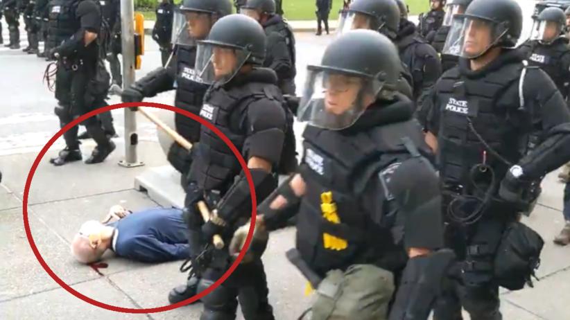 Protesty w USA. Policjanci zaatakowali 75-latka. Jest w ciężkim stanie