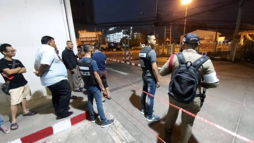 Strzały w centrum handlowym. Szturm policji i wojska, nie pojmano napastnika