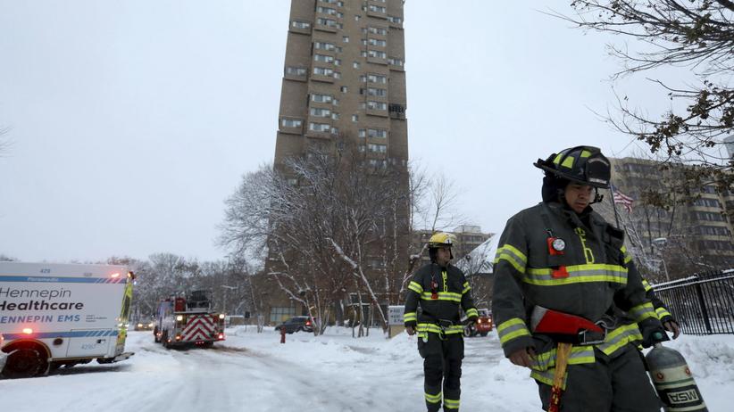 """Makabryczny pożar wieżowca, nie żyje kilka osób. """"Jak w piecu hutniczym"""""""