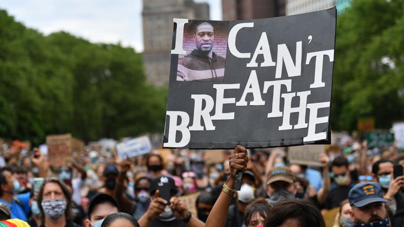 Protesty po śmierci FLoyda