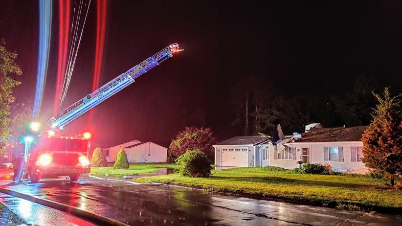 samolot spadł na dom