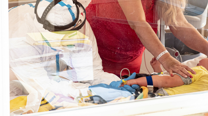dziecko w szpitalu covidowym