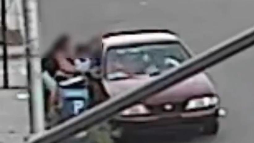 Napastnik chciał porwać 5-latka. Dzielna kobieta uratowała swoje dziecko