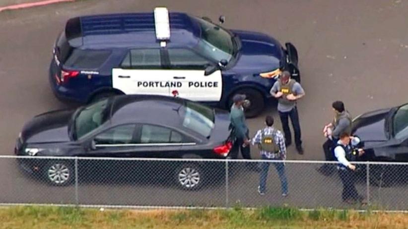 Uzbrojony napastnik wtargnął do szkoły w Portland