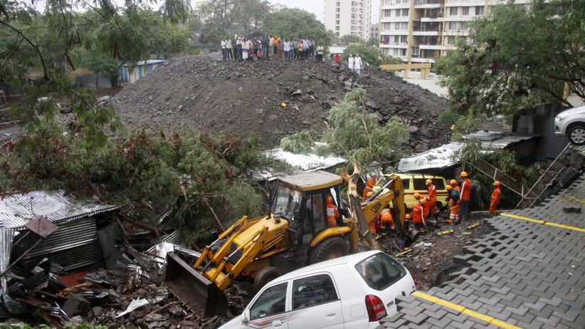 W Indiach zawalił się mur. Nie żyje co najmniej 17 osób