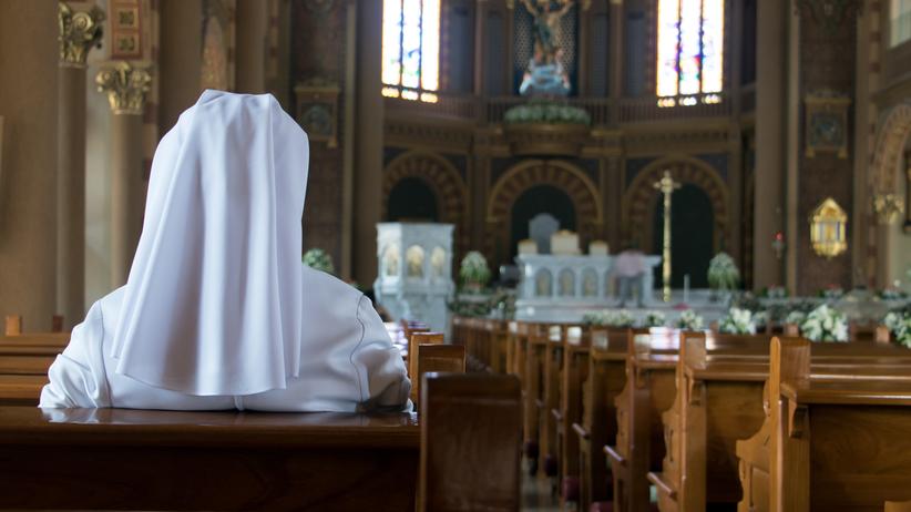 Niewygodna prawda Kościoła. Watykańska prasa o wykorzystywaniu zakonnic