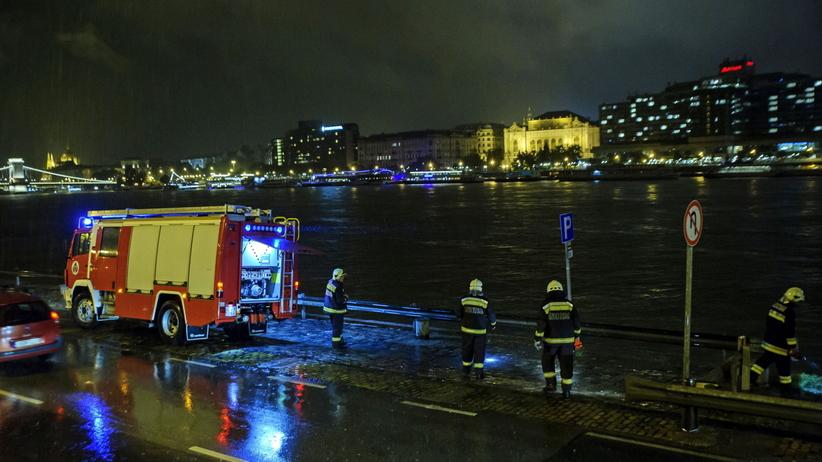 Katastrofa statku na Dunaju. Nie żyje kilka osób, ponad 20 jest poszukiwanych