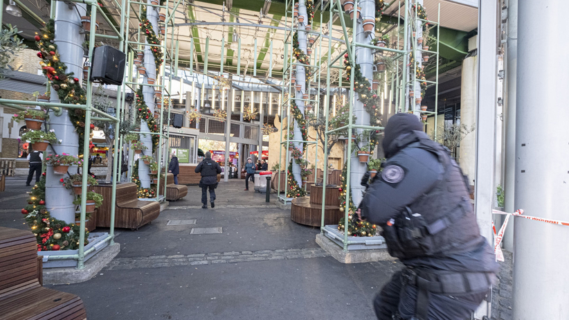 Brytyjska policja: doszło do ataku terrorystycznego. Napastnik zastrzelony