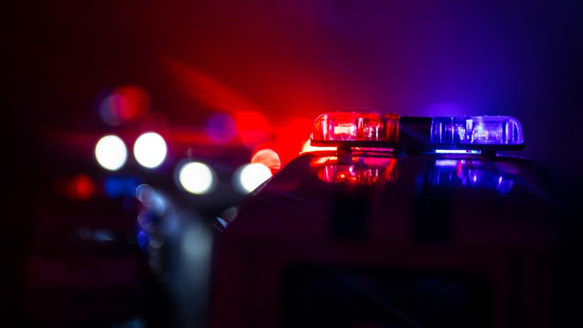 Emeryt znaleziony martwy we własnym domu. Aresztowano 14-latkę i 16-latkę
