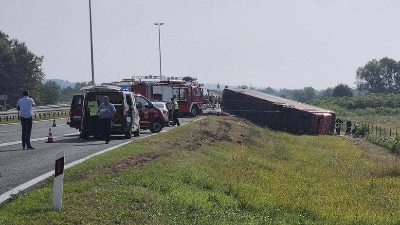 Wypadek autokaru - zdjęcie ilustracyjne