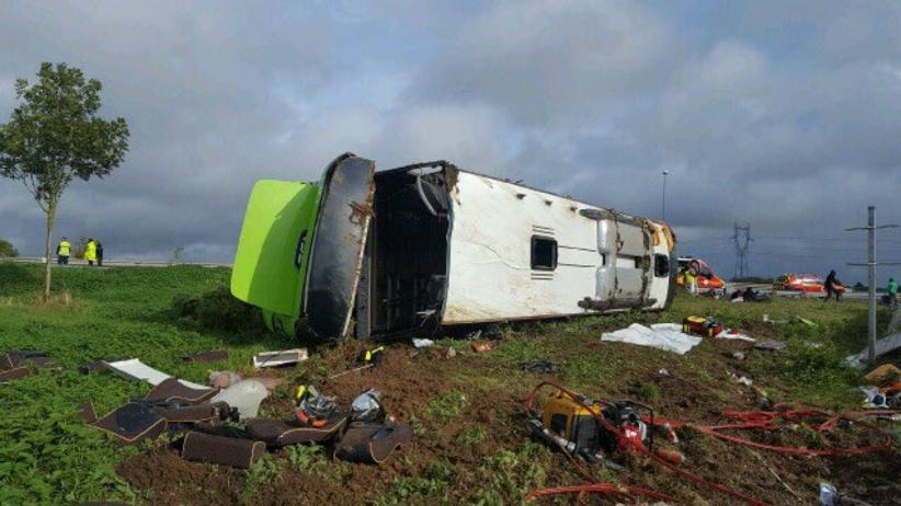 Wypadek Flixbusa na A1 we Francji. Ponad 30 osób rannych. Jechali z Paryża do Londynu