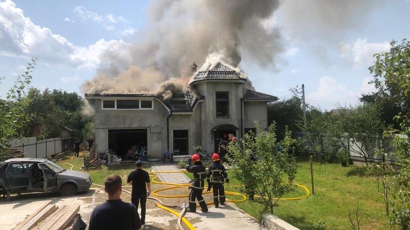 samolot spadł na dom na Ukrainie