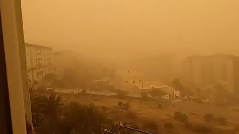 Wyspy Kanaryjskie sparaliżowane przez saharyjski pył. Odwołane setki lotów - Wiadomości