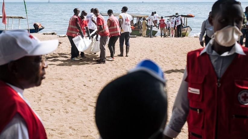 Zatonęła łódź pasażerska. Co najmniej 40 ofiar. Ponad 100 zaginionych