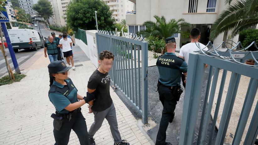Zbiorowy gwałt w Hiszpanii. Turyści z Francji zgwałcili młodą Norweżkę?